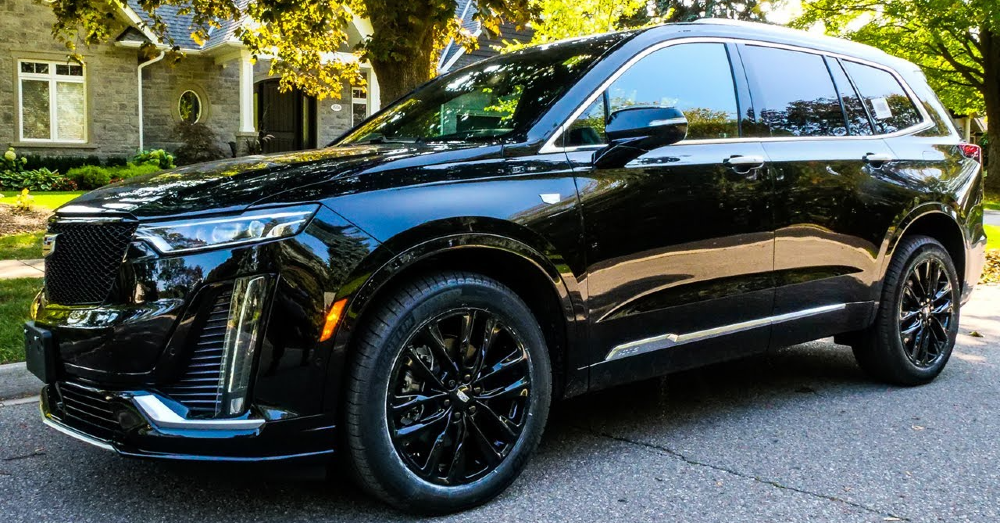 Go for the Sporty Version with the Cadillac XT6 Sport