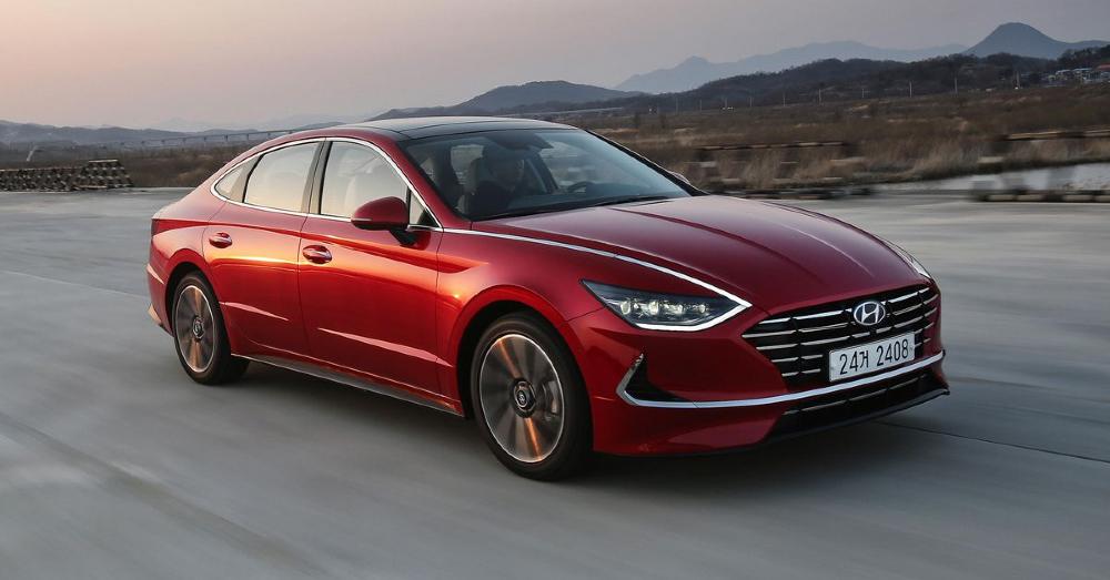 2020 Hyundai Sonata: Style and Elegance in a Family Sedan