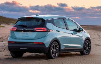 2022 Chevrolet Bolt EV: Forget the Other EVs